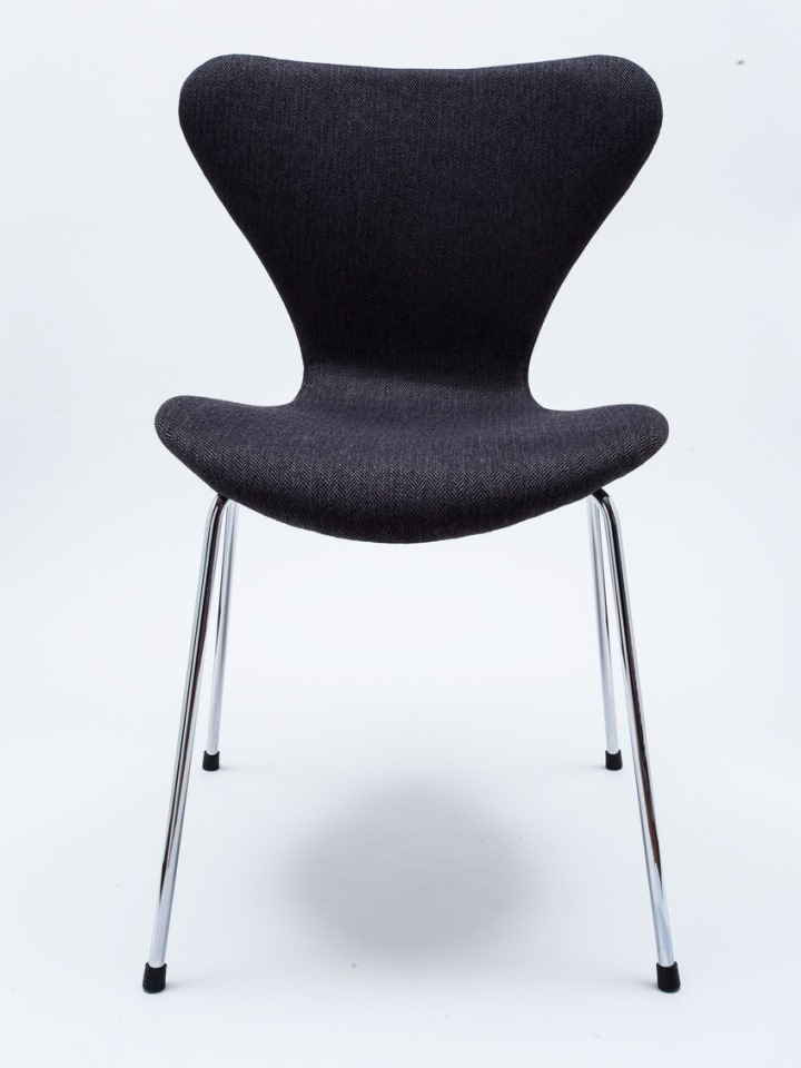 Fritz hansen stuhl 3107 arne jacobsen serie 7 finest care for Arne jacobsen nachbau